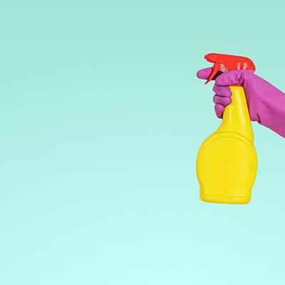 Detergent chemiczny w użyciu.